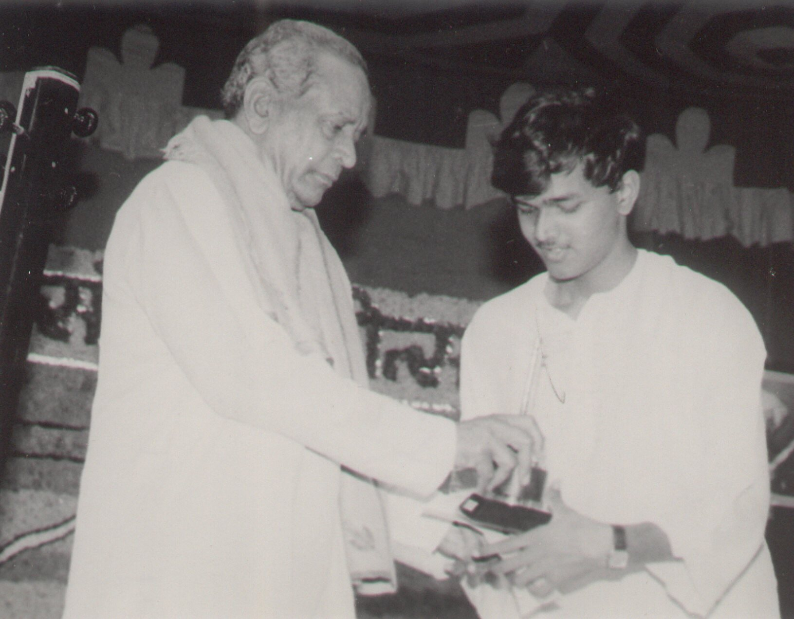 Receiving award from Bharat Ratna Pt.Bhimsen Joshi