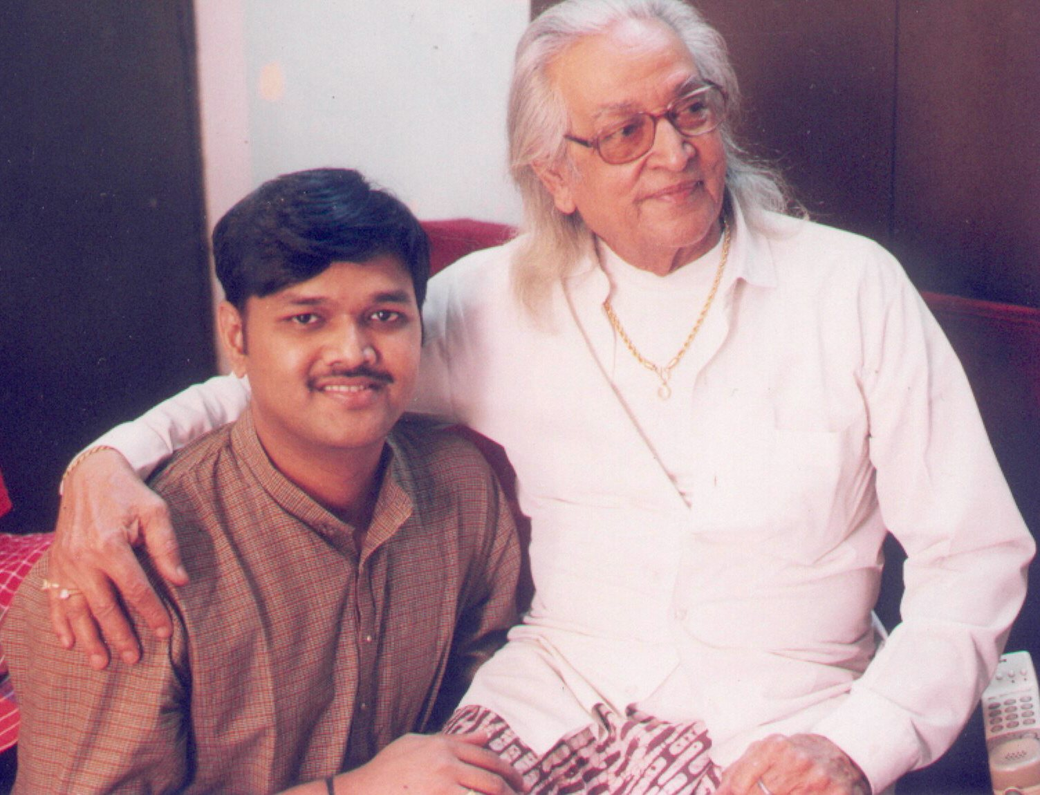 With Legendary Tabla player Padma Vibhushan Pt Kishan Maharaj Ji.